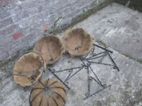 4 x Gardman Heavy Duty Hanging Baskets and 4 Brackets