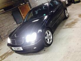 STUNNING Mercedes C230 fully loaded sat nav DVD, heated leather seats, xenons,2 keys