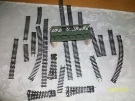 N GAUGE TRACK AND BRIDGE