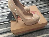 Size 6 from schuh