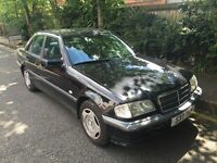 MERCEDES C180 SALOON AUTOMATIC SALOON. OLD CAR BUT LOTS OF HISTORY AND DRIVES VERY VERY WELL !!!
