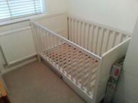 Mamas and Papas Madison Cot bed
