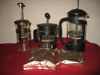 coffee pots with two little cups