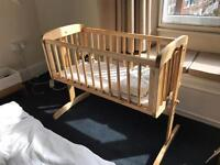 Baby rocking crib with mattress, bumper and fitted sheet
