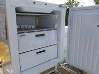 SMEG Integrated freezer 100L