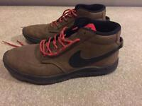 Nike leather trainer boot lunarlon great condition