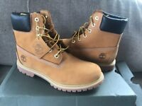 Brand new women's 6inch timberland boots size 6