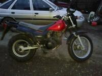 Yamaha TW 125 spare or repair. needs new piston and gasket set £40 for both parts on ebay.
