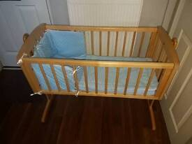 Wooden swing crib