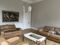 Centrally located 4 bedroom flat suitable for student or young professionals