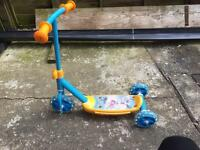 Boys 3 wheel scooter