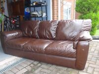 Comfortable Brown Leather 3-Seater Setee in Very Good Condition