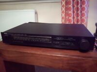 Yamaha Tuner T-320 Natural Sound AM / FM. For sale, includes aerials and leads