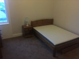 double room, move in today, no deposit £440 plus bills