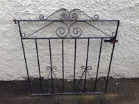 Metal Driveway Gate with metal post & fittings 0.77m (W) 0.85m (H) £40 ono