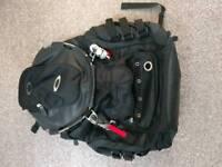 Oakley factory pilot bag can post