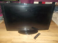 """42"""" HITACHI LCD TV FULL HD 1080p WITH FREEVIEW"""