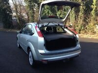 HI SPEC FORD FOCUS 5 DR GHIA HATCH/LOW MILES FOR YEAR/NEW MOT/ALL GHIA REFINMENTS