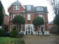 Ealing Broadway W5 Large 2 bed flat opposite Montpelier Primary School