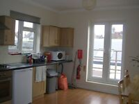 A VERY NICE QUIET DOUBLE ROOM FOR ONE PERSON IN TOOTING BROADWAY. £130 P/W ALL BILLS INCLUDED