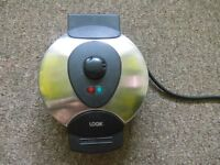Waffle maker in a very good condition £7 ONLY !!!!!!!!