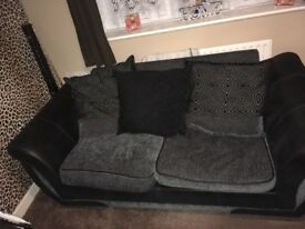 2/3 Seater Sofa In Lovely Condition