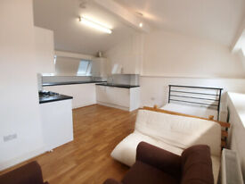 Modern 2 bed in the heart of Camden Town minutes to the Camden Station.