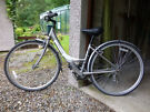 """Ladies Hybrid Bicycle Apollo Etienne 16"""" in excellant condition"""