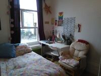 Double room available to rent on Lower clapton road Hackney