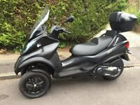Piaggio MP3 500 LT scooter - Only needs car licence -- very low mileage -- extras