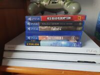 PLAYSTATION 4 PRO BUNDLE BOXED