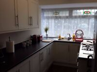 Large sunny double room close to the Town centre