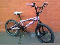 Raleigh Jump BMX bike - 4 stunt pegs !