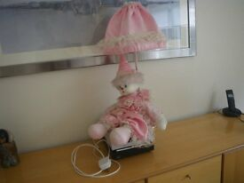 VINTAGE LARGE SIDE LAMP, FEATURING A FULLY DRESSED DOLL. UNUSUAL. SUIT NURSERY OR SHOP DISPLAY.