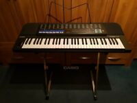 Casio CT670 with stand