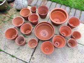 17 pottery Flower pots various sizes.