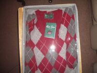 Luxury 100% Cashmere Melrose Argyle Vee Neck Jumper by Alan Paine - Brand New