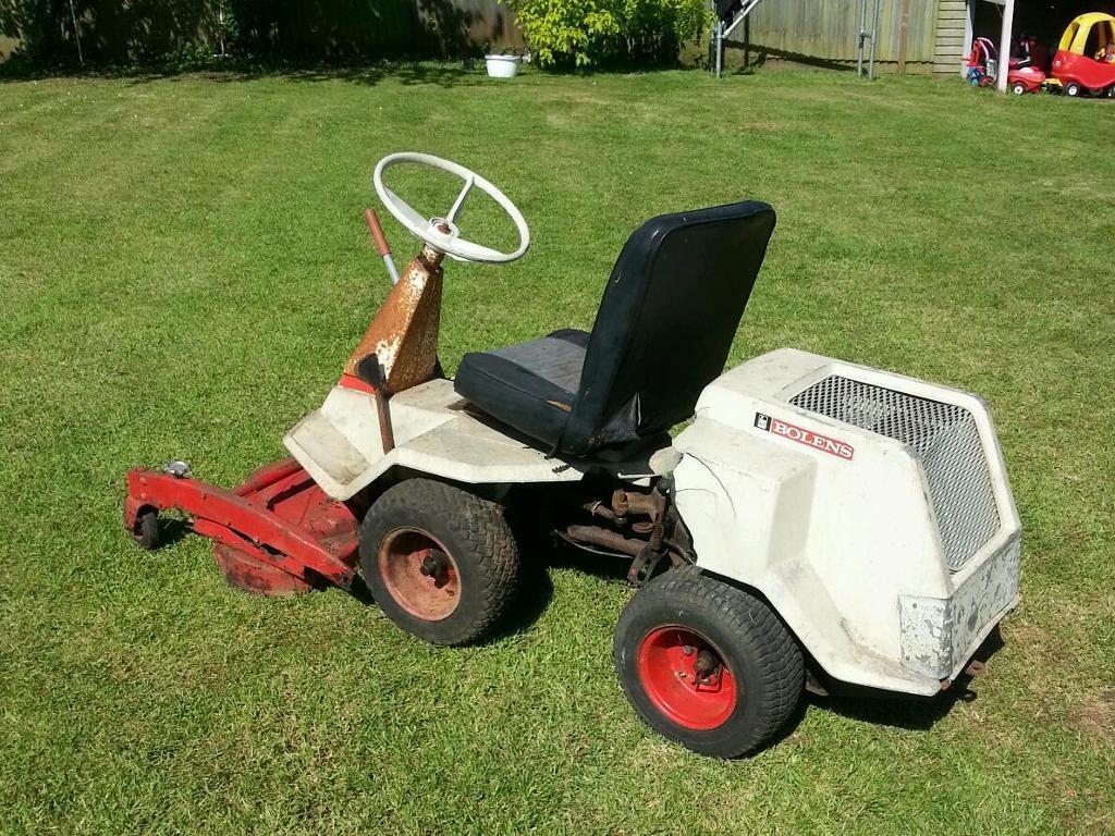Bolens Estate Keeper Ride On Mower Lawnmower Garden