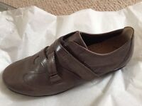 **BRAND NEW** LEATHER Brown GABOR ladies shoes size 5