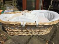 Moses basket with sheets and mattress