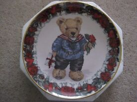 Royal Doulton Heirloom Collectable Plates