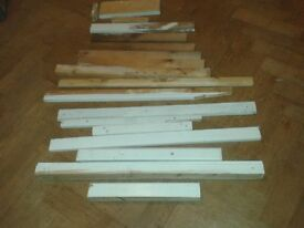 ASSORTED TIMBER WOOD PLANKS/WOODEN SLATS/BLOCKS-VARIOUS SIZES PINE/WHITE 730MM MAX