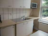 BILLS INCLUDED MODERN STUDIO FLAT SEPARATE KITCHEN TURNPIKE LANE, N22 LONDON AVAILABLE NOW