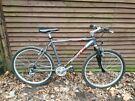 Scott purgatory men's mountain bike, 26 in wheels, 24 gears, 19 in frame such a nice bike