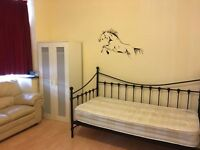 Double Room to let in Forest gate(off romford road) £450PM