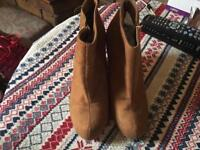 New look ladies weddge suede boots tan colour size 7/40 new £5