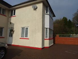 £900 PCM Electric, Water and WiFi included 3 Bedroom House on Fairwater Grove West, Cardiff CF5 2JP