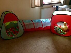 Kids pop up tent and ball pool with tunnel and balls