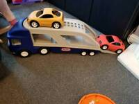 Little tikes large car carrier with 2 cars