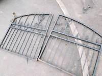 Roat iron gates